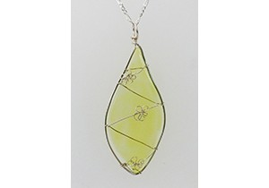 Leaf pendant with flowers yellow